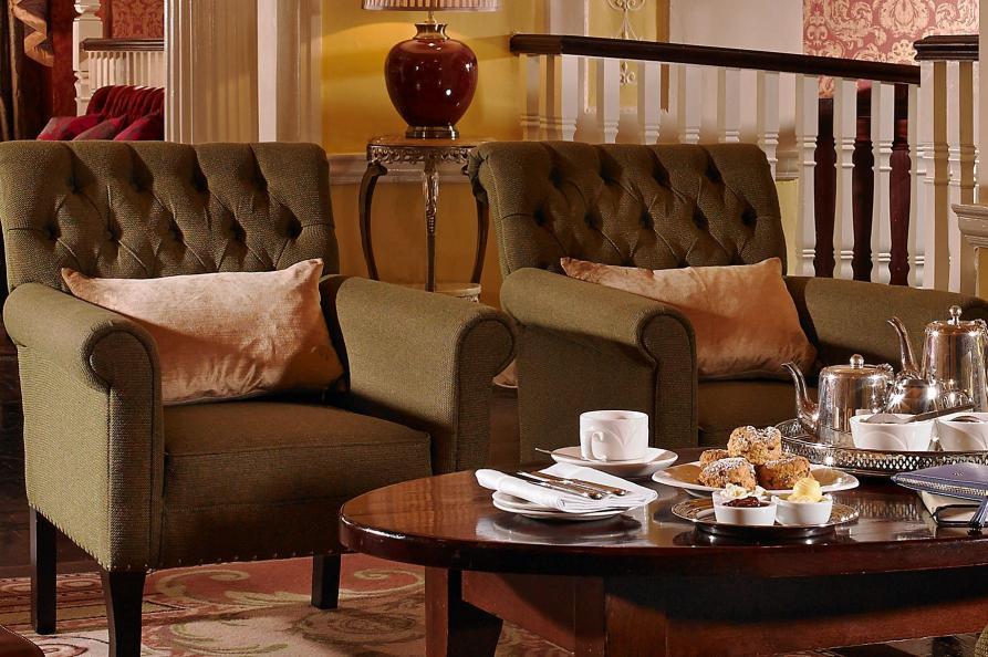 Buswells Hotel lounge