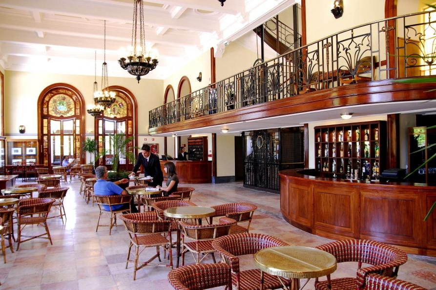 Curia Palace, restaurant