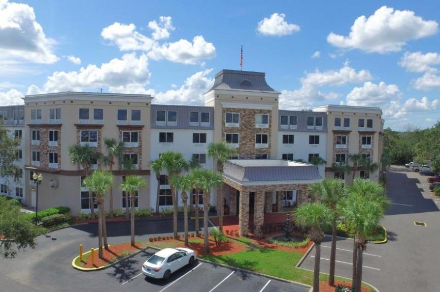 Royale Parc Suites Hotel