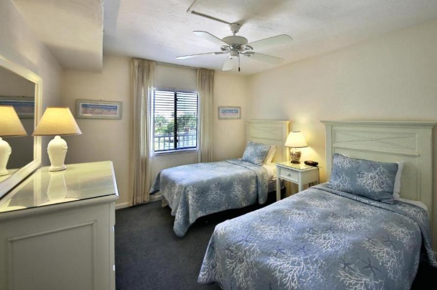 Sanibel Inn Beach Resort