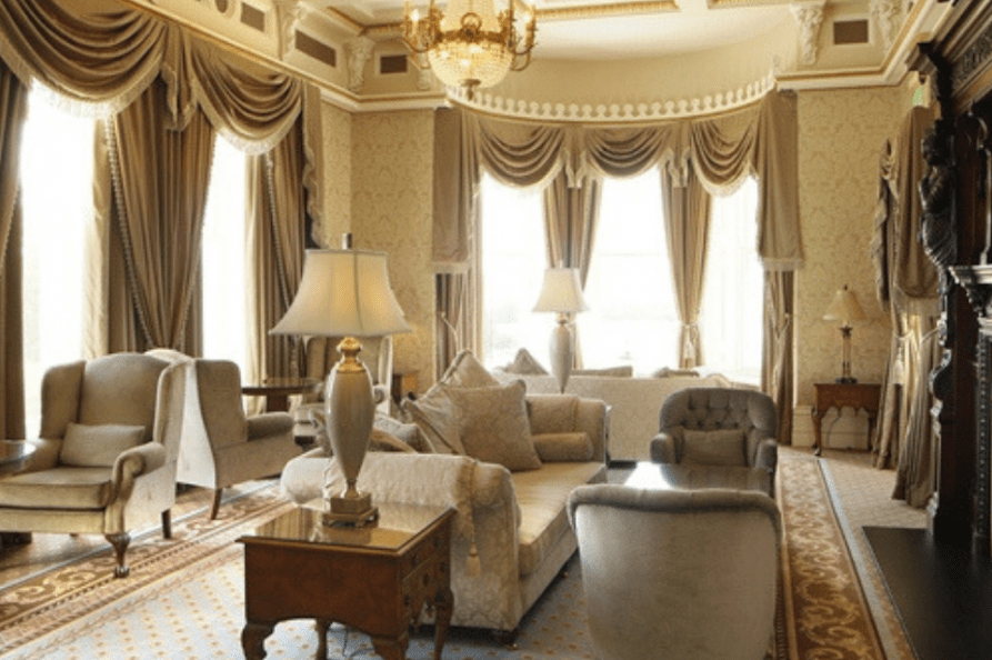 Manor House Country Hotel lounge