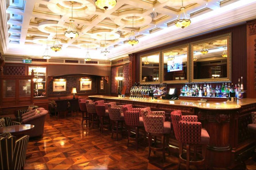Manor House Country Hotel bar