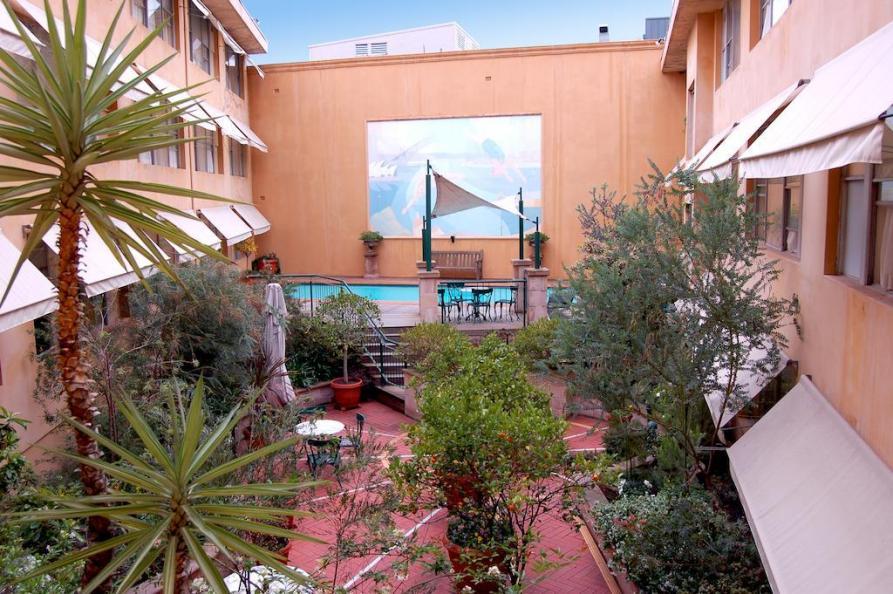 Arts Hotel