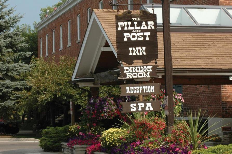 Pilar & Post Niagara on the Lake